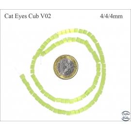 Perles oeil de chat lisses - Cubes/4 mm - Vert anis