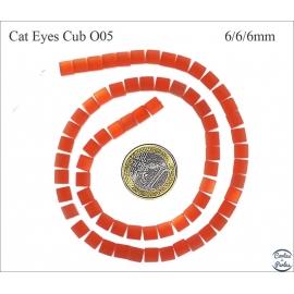 Perles oeil de chat lisses - Cubes/6 mm - Rouge orangé