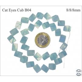 Perles oeil de chat lisses - Cubes/8 mm - Bleu clair