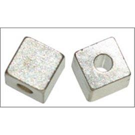 Apprêts boules de métal qualité premium - Cubes/8 mm - Argenté
