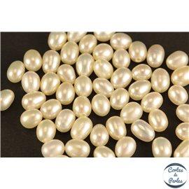 Boucles d'oreilles en perles de culture- Gouttes/4 mm - Blanc rosé - Grade AA
