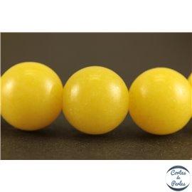 Perles semi précieuses en jade mashan - Rondes/8 mm - Jaune Canari