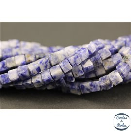 Perles semi précieuses en sodalite - Cubes/5 mm - Bleu arctique