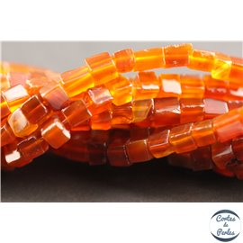 Perles semi précieuses en agate - Cubes/4 mm - Rouge feu