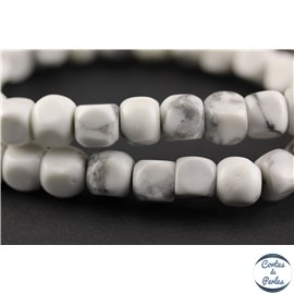 Perles semi précieuses en howlite - Cubes/8 mm - Blanc marbré