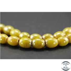 Perles indiennes en verre - Ovales/13 mm - Vert péridot