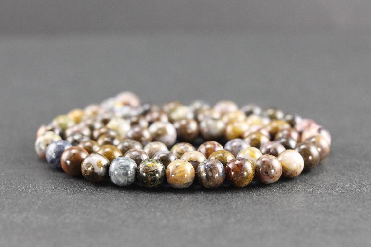Perles en pietersite