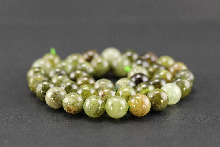 Grossiste perles en grenat vert